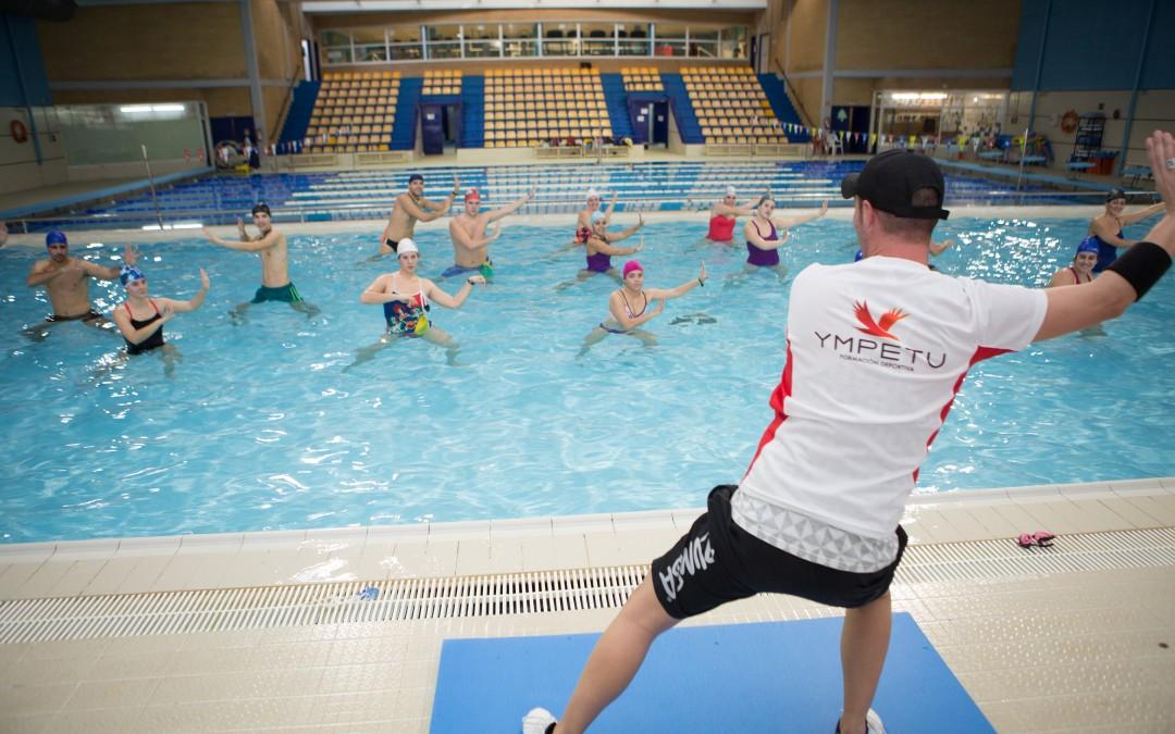 Gran xito en el curso de aquagym en sevilla ympetu for Curso mantenimiento piscinas